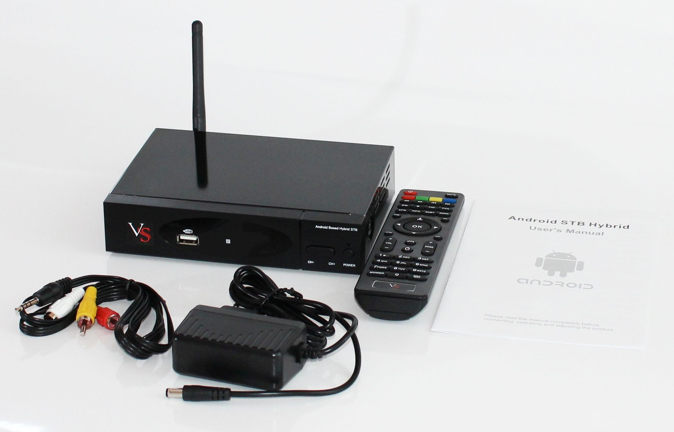 Содержимое упаковки: приставка, кабель HDMI, блок питания, инструкция
